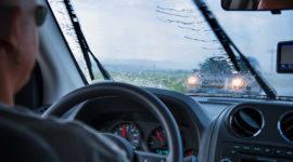 7 важных особенностей вождения в ливень